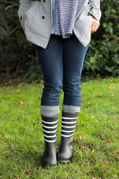 These spray painted rain boots are made with rubberized spray paint! Refashion, Hunter Boots, Leg Warmers, Thrifting, Rain Boots, Legs, Chic, Craft, Store