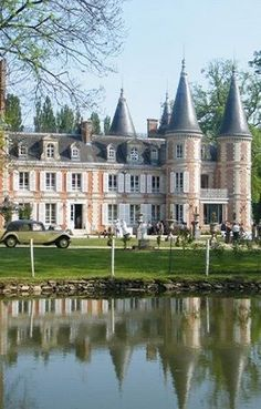 Beautiful Castles, Beautiful Buildings, Beautiful Places, Castle Ruins, Castle House, French Castles, French Architecture, French Chateau, French Countryside