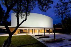 Teatro Universitario Carlos Cueva Tamariz / Javier Durán