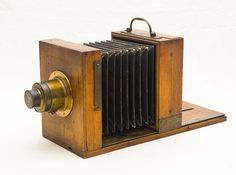 Old antique camera: Wet plate collodion camera c1870 Unknown maker.