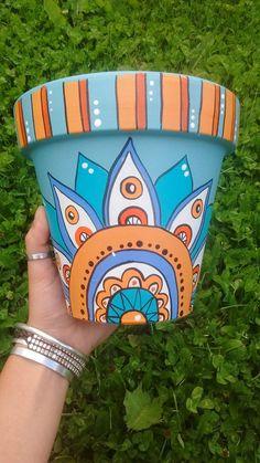Flower Pot Art, Flower Pot Design, Painted Plant Pots, Painted Flower Pots, Pots D'argile, Clay Pots, Decorated Flower Pots, Decorated Jars, Clay Wall Art