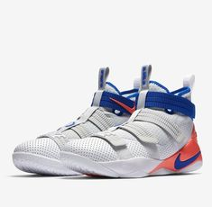 43afd43d28999 Nike LEBRON SOLDIER XI SFG Mens Basketball Shoes 11 White Racer Blue 897646  101  Nike