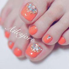 Nailエルジョワ-本厚木ネイルサロン-山本翼さんはInstagramを利用しています:「初めてのお客様 今年はオレンジのフットネイルが人気です✨ * 本厚木ネイルサロン Ailesjoreエルジョワ * #nails #Japannail #Japan #beauty #art #nailartist #Instanails #naildesign…」