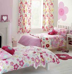 Para dar un poco de color y un toque de personalidad al dormitorio de los niños: cortinas infantiles