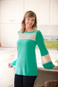 OBSESSED with this top! Missy Robertson Collection