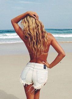 wavy, long & blonde