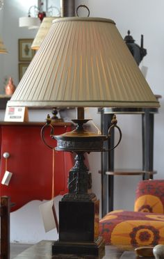 Lámpara sobremesa  md.9-247 Medidas:  0,75 alto.Consultar precio con descuento especial. Unidades disponibles 1