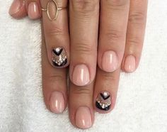 14. I'm loving this chevron accent nail paired with naked nails.