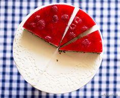 Maková torta s malinami