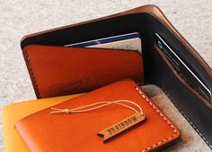 This cool wallet is perfect for the men who likes to keep it simple. However, the wallet has not only the look but functions.  This slim wallet holds basic such as notes, business cards, creditcards but it keeps it slim and you can avoid carrying bulk.  Made with high quality leather and it will be even more beautiful when age.  Hand stitched, hand edged, and hand finished in Sydney, Australia by bRainbow.  Size: 11cm X 8 cm It can hold 4-9 cards.  Please allow us 7 days to create special…