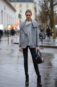 grey coat, off white sweater, black jeans, booties and bag outfit Look Fashion, Street Fashion, Fashion Outfits, Womens Fashion, Fashion Trends, Paris Fashion, Net Fashion, Fashion Weeks, Fashion Today