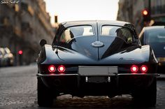 1963 corvette stingray split-window.