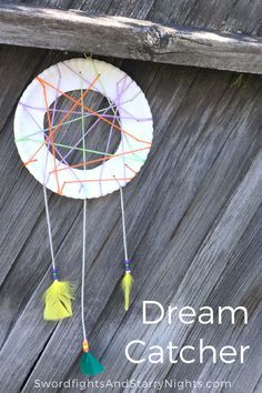 Make your own dream catcher! The perfect summer activity, it's easy to make plus it's a quick project for kids and adults alike!