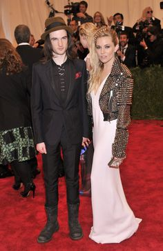Sienna Miller and Tom Sturridge MetGala #HauteCouture #RedCarpet