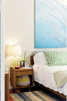 Large Scale Art: 4 Budget-Friendly Ways to Fill the Whole Wall — Apartment Therapy Video Roundup
