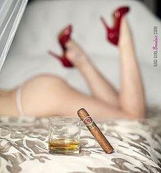 """dadyserrano68: """"Siiii #cigarsnwhisky #cigarporn #cigarsnob #botl #cigarmagistrate #cigarlover #cigaraficionado """""""
