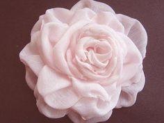 DIY Tutorial: flowers / DIY fabric flowers - Bead&Cord