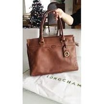 Longchamp sale Kick off the holiday season with a little sparkle and a discount. Today only, enjoy 86% off these women's Classics as part of Giving. Longchamp Neo, Usa Shoes, Designer Purses, Designer Handbags, Woman Outfits, Balenciaga City Bag, Olivia Palermo, Shoes Online, Kicks