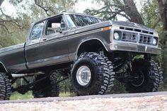 76 Ford F250 4x4 Super Cab