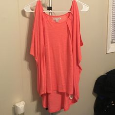 Coral Flowy Top Dolmon sleeve coral color. Worn once American Eagle Outfitters Tops Tank Tops