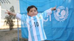 Afghan boy who wore the plastic bag Messi jersey finally met his idol
