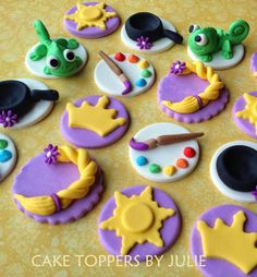 18 Tangled Inspired Toppers by CakeToppersByJulie on Etsy Rapunzel Cupcakes, Bolo Rapunzel, Rapunzel Birthday Cake, Tangled Birthday Party, Disney Cupcakes, Rapunzel Cake Ideas, 4th Birthday, Birthday Parties, Fondant Cupcake Toppers
