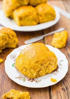 Honey Butter Pumpkin Dinner Rolls - Big, soft rolls brushed with honey butter are the best! Everyone loves them and they disappear so fast! Pumpkin Dinner Rolls Recipe, Savory Pumpkin Recipes, Pumpkin Rolls, Pumpkin Pumpkin, Pumpkin Puree, Pumpkin Cookies, Thanksgiving Recipes, Fall Recipes, Yummy Recipes