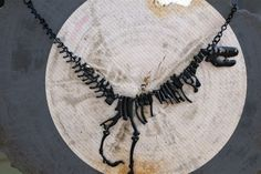 Jura Welt, T-Rex Collier, Dinosaurier-Halskette, Halskette Anweisung, jurassic Park, Fossil, schwarz