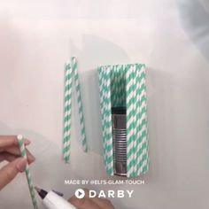 Easy DIY Upcycling Idea for Straw Vase Using a Can Videos diy Diy Room Decor For Teens, Diy For Teens, Diy Room Decor Videos, Easy Diy Room Decor, Diy Projects Videos, Diy Crafts Videos, Wine Bottle Crafts, Jar Crafts, Easy Diy Upcycling