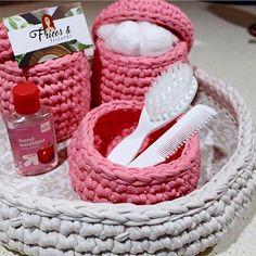 Kit higiene para bebê   Confeccionamos em várias cores @fricosefricotesstore #kitbebe #kitbebê#quartodebebe #kithigiene#portaalgodao#portacotonete#quartodemenina#quartodemenino#variascores#decor #decoracao #decoration #decorating #decorar #baby #bebe #crocheting#croche #crochet #crochetaddict #crochetlove #crochetdesign #crochetbaby #instabebe #instababy #mimo#feitoamao #feitocomcarinho#handmade#enviamosparatodobrasil