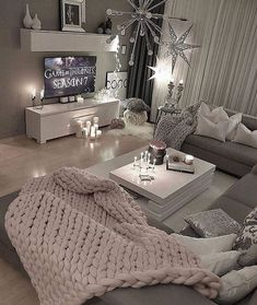 36 Cozy Living Room Design Ideas For Apartment - Home Bestiest First Apartment, Apartment Living, Cozy Apartment, Apartment Design, White Apartment, Apartment Goals, Studio Apartment, Apartment Ideas, Cozy Living Rooms