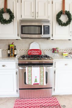 Red and White Kitchen | Decorchick!®