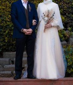 Image may contain: one or more people, standing people . - the makeup augen hochzeit ideas tips makeup Hijabi Wedding, Wedding Hijab Styles, Muslimah Wedding Dress, Muslim Wedding Dresses, White Wedding Dresses, Wedding Bride, Wedding Gowns, Wedding Abaya, Wedding Lace