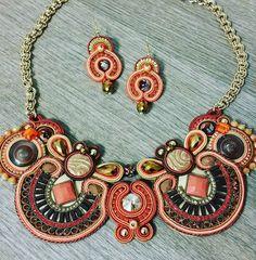 Parure collana e orecchini soutache - handmade necklace and earrings made in italy di kikkamanfrin su Etsy