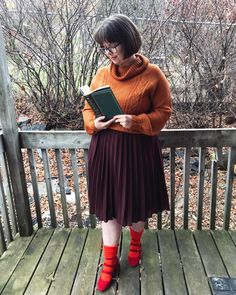 This post contains the best modest Halloween costumes for women. The costume ideas include DIY, Disney, dresses, and fun and creative ones too. One of the costumes is Velma Dinkley from Scooby Doo. Easy Halloween Costumes For Women, Last Minute Halloween Costumes, Cool Costumes, Adult Costumes, Costume Ideas, Spooky Halloween Cakes, Halloween Games Adults, Halloween Diy, Halloween Horror