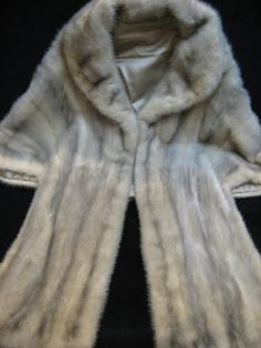 Gorgeous Vintage '70s Pearly Gray Mink Fur Stole by CLASSYBAG