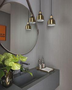 Lavabo l Cinza com um toque dourado da moldura do espelho e pendentes, ficaram sensacional! Projeto @triplex_arquitetura #bath #bathroom #revestimentos #cool #luxurydesign #furniture #glamour #arquitetura #archdesign #decor #inspiration #gold #instamood #sp #arquiteta #digitalinfluencer #chic #homedecor #homedesign #blog #decoração #decoration #design #blogfabiarquiteta #fabiarquiteta  www.fabiarquiteta.com