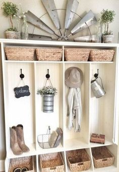 24 Rustic Mudroom Design And Decorating Ideas For Inspiration