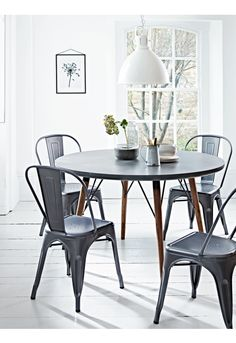 Inspired by design with an industrial twist, our large round table features a strong black iron frame supporting four tapered fir wood legs. Cottage Dining Rooms, Bed In Living Room, Large Round Table, Round Dining Table, Dining Area, Kitchen Furniture, Table Furniture, Black Furniture, Wooden Kitchen