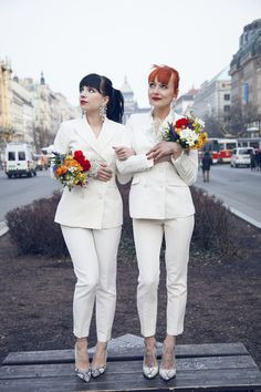 25 Trendy Bridal Jumpsuits And Pantsuits To Rock: two brides wearing same pantsuits with cropped pants Wedding Looks, Bridal Looks, Bridal Style, Lgbt Wedding, Wedding Attire, Wedding Outfits, Dress Wedding, Lesbian Wedding Photography, Bridal Jumpsuit