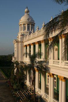 Lalitha Mahal Palace Hotel, Mysore, Karnataka, India -  Flickr - Photo Sharing!