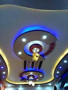latest pop false ceiling designs pop wall designs for hall 2019 Drawing Room Ceiling Design, Simple False Ceiling Design, Plaster Ceiling Design, Gypsum Ceiling Design, Interior Ceiling Design, House Ceiling Design, Ceiling Design Living Room, Bedroom False Ceiling Design, False Ceiling Living Room
