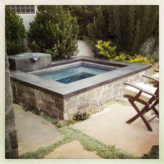 Hot Tub Backyard, Small Backyard Patio, Swimming Pools Backyard, Pool Landscaping, Spool Pool, Dipping Pool, Small Pool Design, Backyard Pool Designs, Small Pools