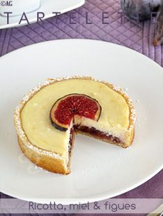 ricotta tart with honey and fig - http://www.altergusto.fr/2011/10/20/tartelettes-ricotta-figues/