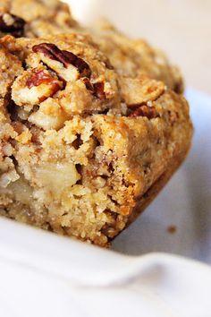 Stukje bij Beetje: Amerikaanse appelcake - In deze cake zit dus geen boter, geen 'vast vet', en dat maakt hem relatief gezond.