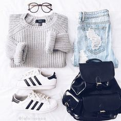 That go-to comfy casual outfit Lisa Viera (Shop link in bio) f. - - That go-to comfy casual outfit Lisa Viera (Shop link in bio) Teen Fashion Outfits, Cute Fashion, Look Fashion, Outfits For Teens, Womens Fashion, Fashion Ideas, Fashion Styles, Fashion Clothes, Fashion Trends