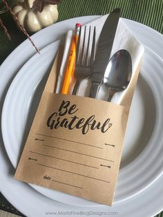This Thanksgiving Utensil Holder has a 2-fold purpose: to hold the silverware and to give guests a way to have a dated record of their list of gratefulness. These free DIY Thanksgiving idea is free to print!