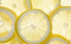 【Apply Lemon on eyes ---- Deal With Eye Bag】Have eye bags? Lemon can help to remove eye bags. Immerse the lemon slice in water for a while, Apply gauze on the eyes and put the lemon on it for 5 minutes. Lemon Water Benefits, Lemon Health Benefits, Detox Diet Recipes, Juice Recipes, Nutribullet Recipes, Detox Tips, Lemon Recipes, Dark Spots On Face, Health And Wellness