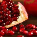 # Fiber fruit # Sports diets Part of good diabetes control is eating healthy foods. If you are looking for a nutritious and delicious snack Pomegranate How To Eat, Pomegranate Benefits, Pomegranate Juice, Eating Pomegranate, Pumpkin Mouth, Fruits For Glowing Skin, Fruit Picture, Organic Recipes, Health Tips
