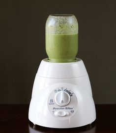 Sometimes there are kitchen tips that float around on the Internet for years before you bump into them. Sometimes those tips are potentially life-changing. Like this one: did you know that a standard mason jar can be used in place of the pitcher on most blenders? What the what?